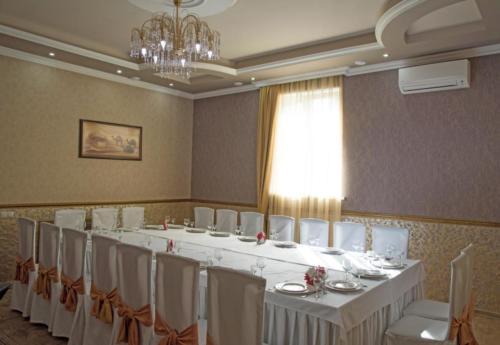 small hall02
